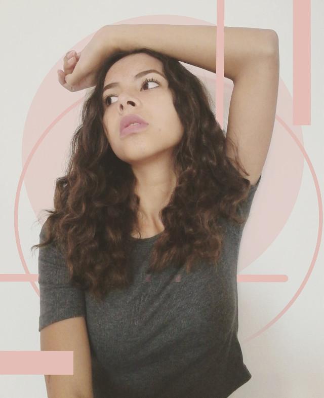 Curls and lipstick💄  #pink  #circle  #lines  #me  #portrait  #lipstick  #geometric  #geometrical  #edit #shapes