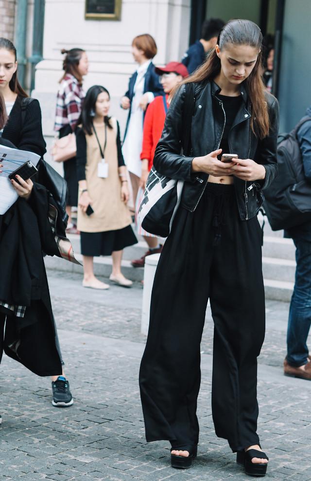 #shanghaifashionweek #streetphotography #style #fashion #people #outfit #model