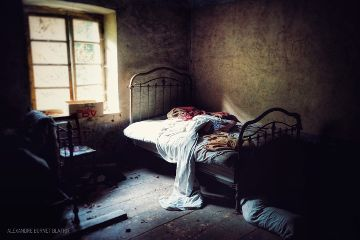 oldhouse urbex bed oldbed bedroom