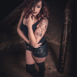sexy model shooting girl girlswithtattoos